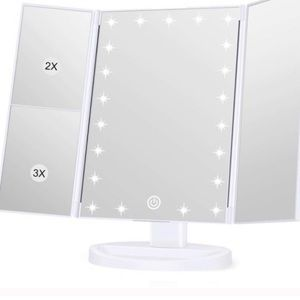 Trifold lighted vanity mirror